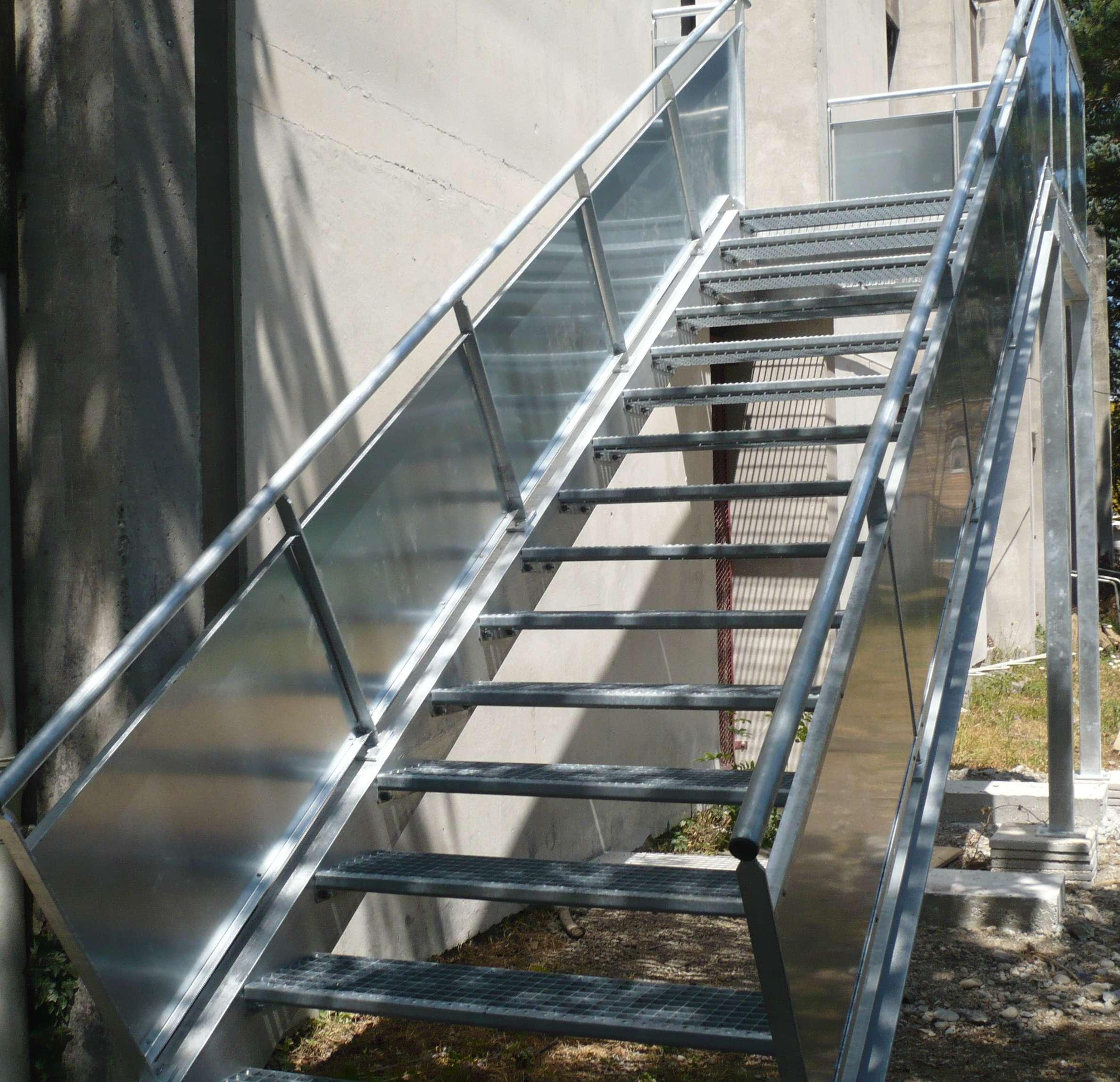 finitions escalier métal Lyon